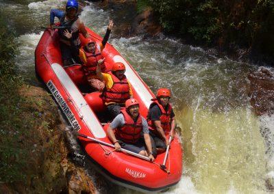 wahana-wisata-rafting-pangalengan-bandung-selatan-11