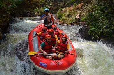 Wahana-Wisata-Rafting-Pangalengan-Bandung-Selatan-15-optimized