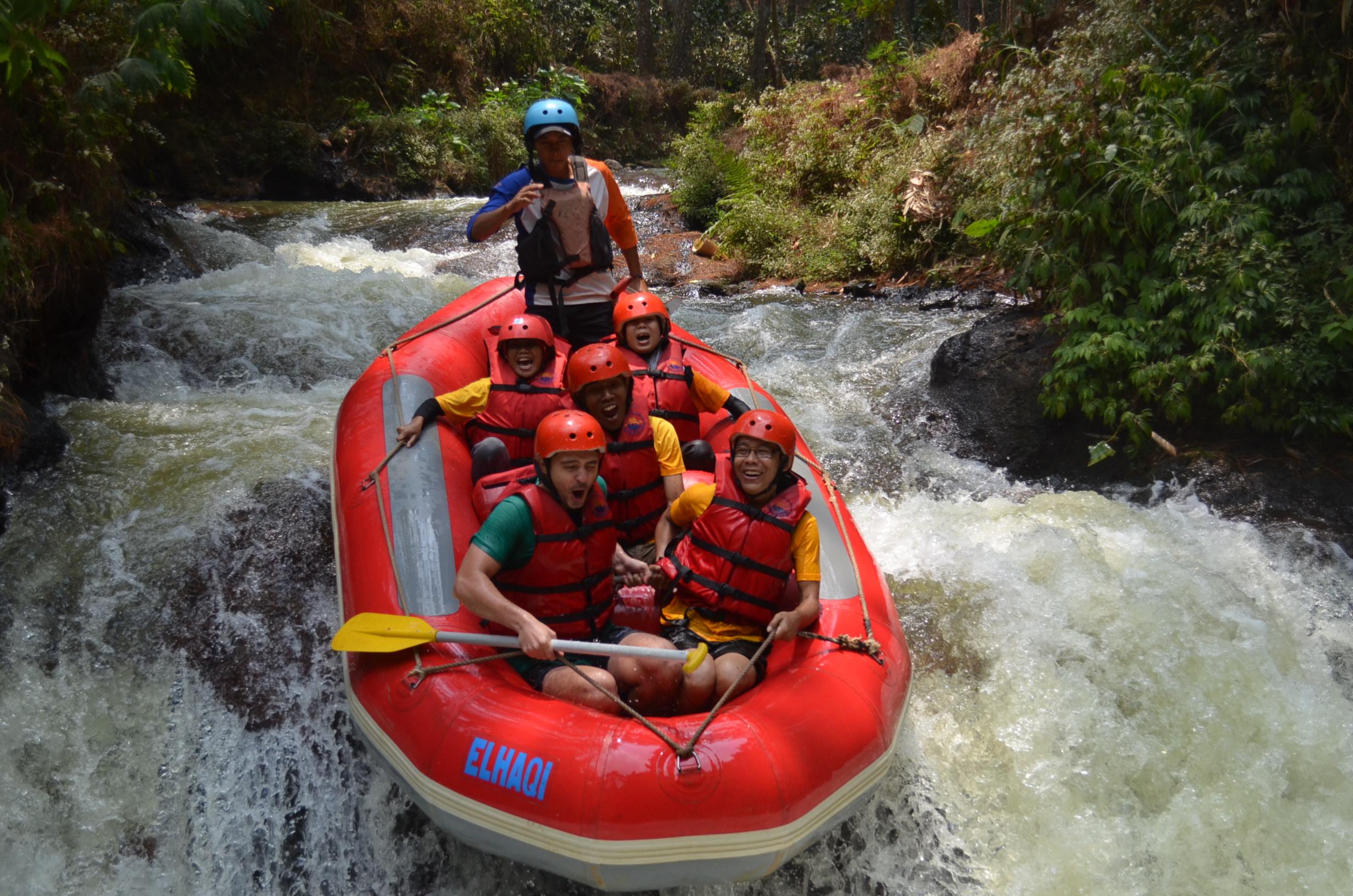 wahana-wisata-rafting-pangalengan-bandung-selatan-15