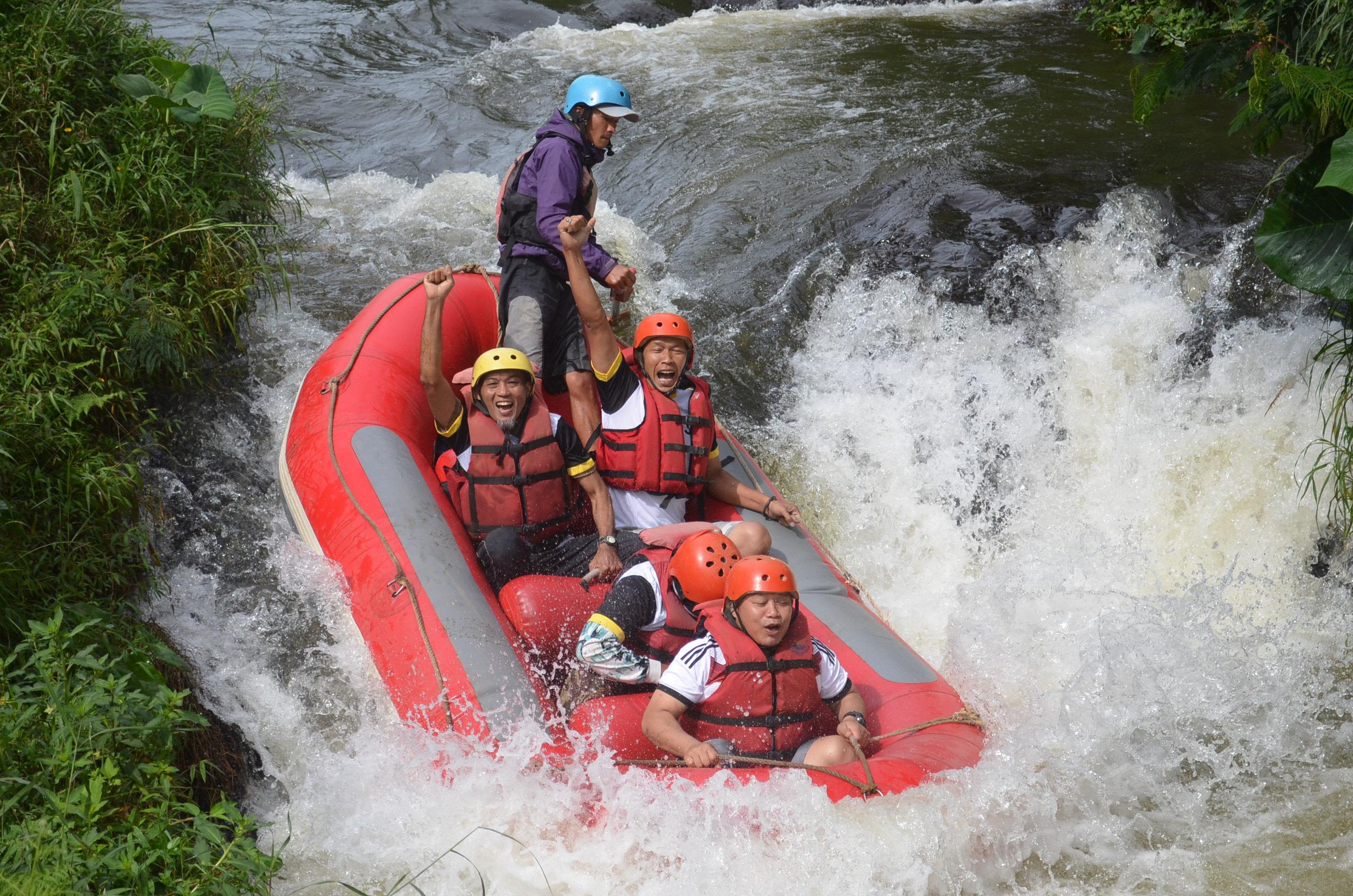 wahana-wisata-rafting-pangalengan-bandung-selatan-24