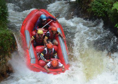 wahana-wisata-rafting-pangalengan-bandung-selatan-26