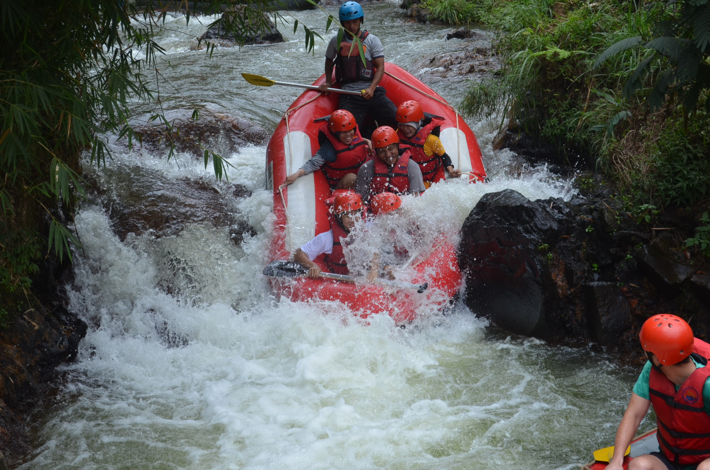 wahana-wisata-rafting-pangalengan-bandung-selatan-6