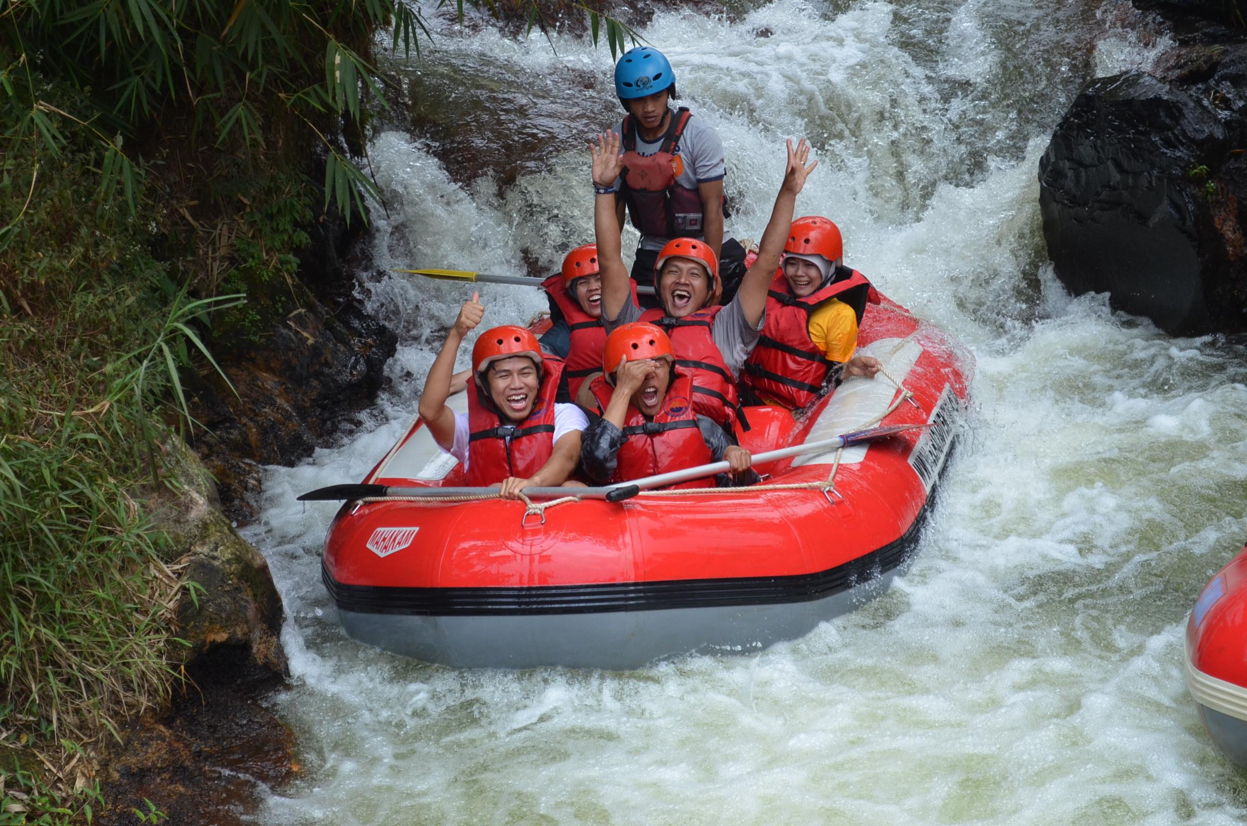 wahana-wisata-rafting-pangalengan-bandung-selatan-7