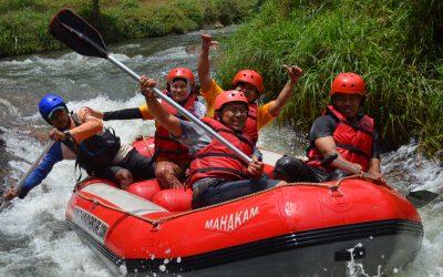 13 Tips Aman Menikmati Rafting untuk Pemula