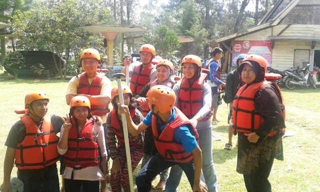 Tips Menikmati Keseruan Aktivitas Rafting Bandung bersama Anak