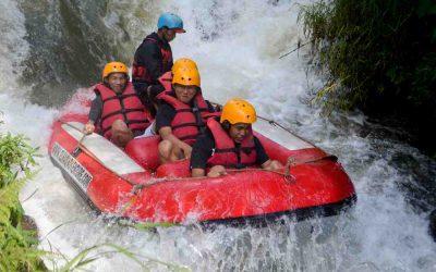 Asyiknya Berpetualang Rafting Bandung Ramai-ramai