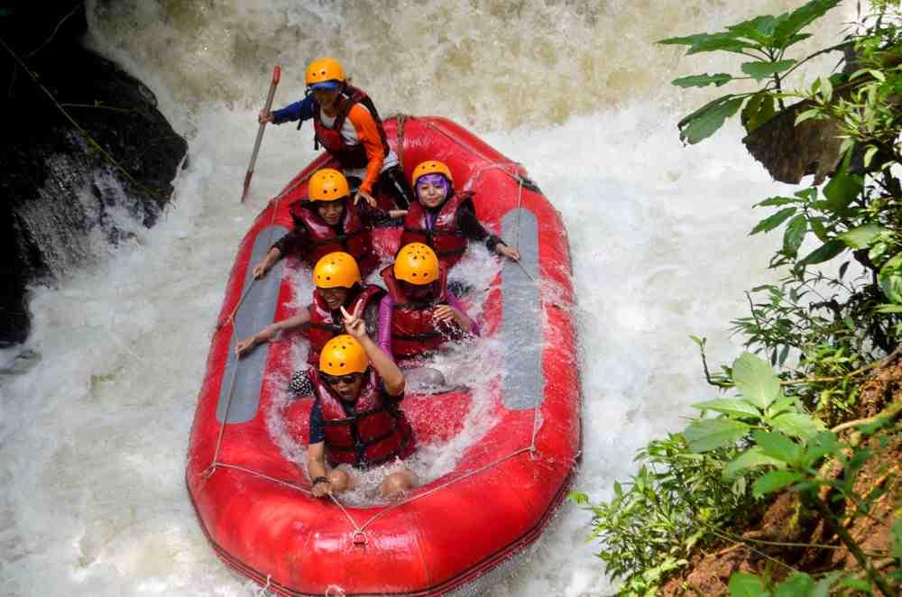 Petualangan Asyik PT. Darma Kerta Raharja dengan Harga Rafting Pangalengan Bandung Terjangkau