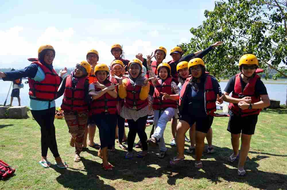 Cisadane Event Organizer Lakukan Rafting Bandung Seru