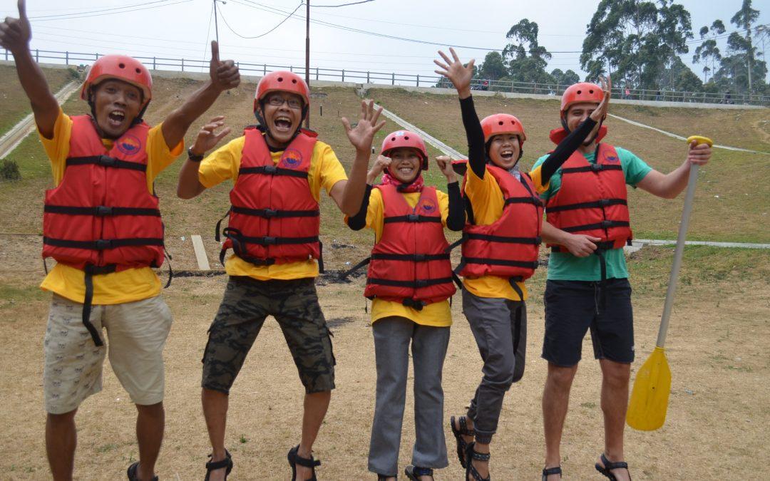 9 Persiapan dan Perlengkapan untuk Rafting atau Arung Jeram