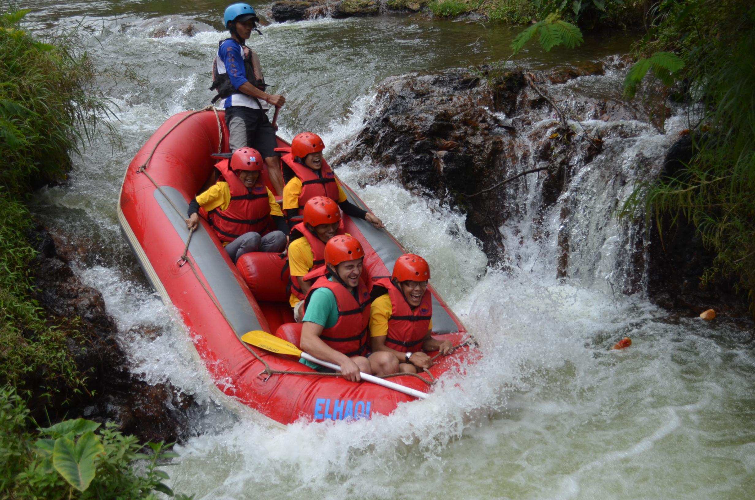 wahana-wisata-rafting-pangalengan-bandung-selatan-2