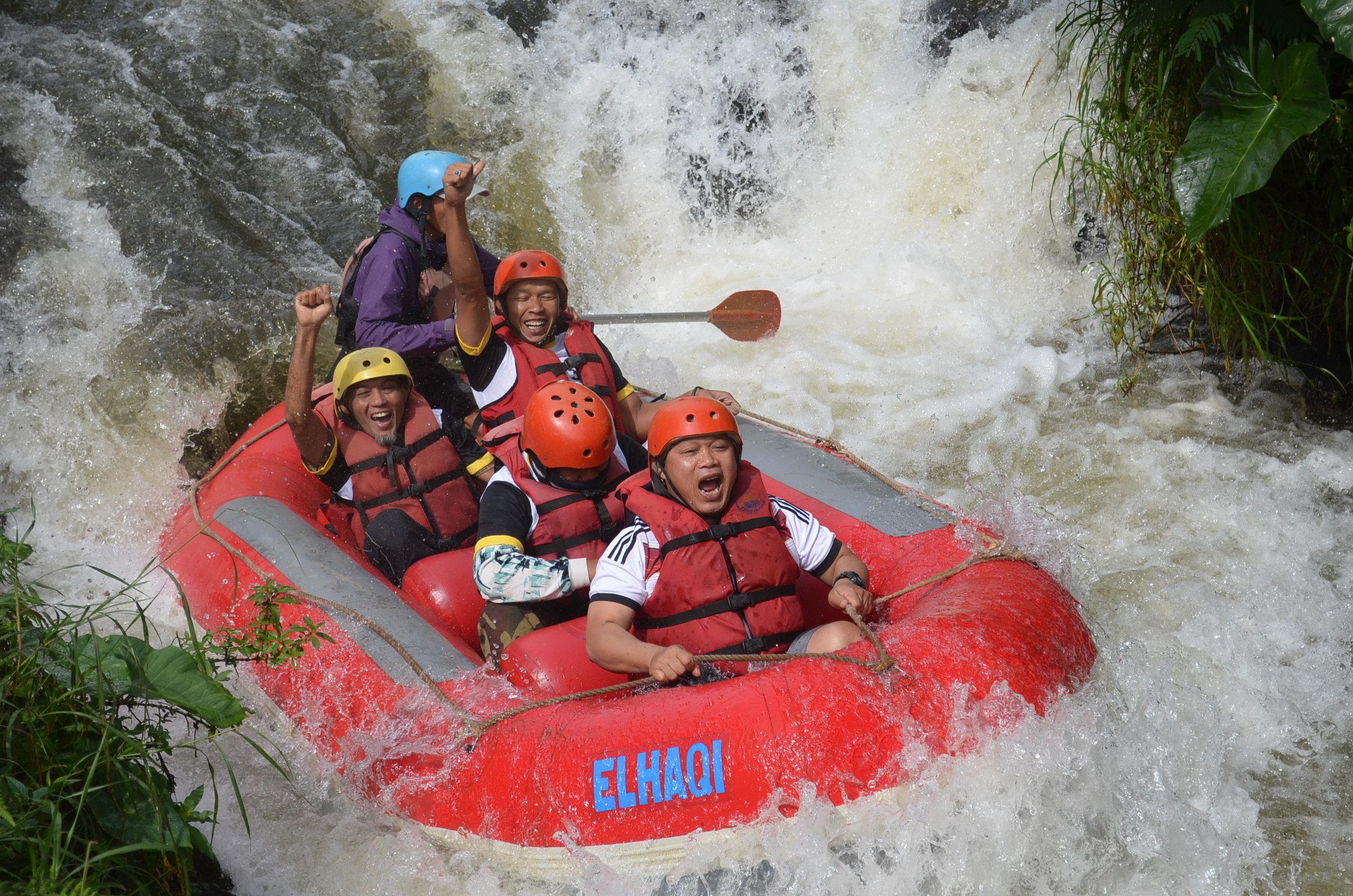 wahana-wisata-rafting-pangalengan-bandung-selatan-25