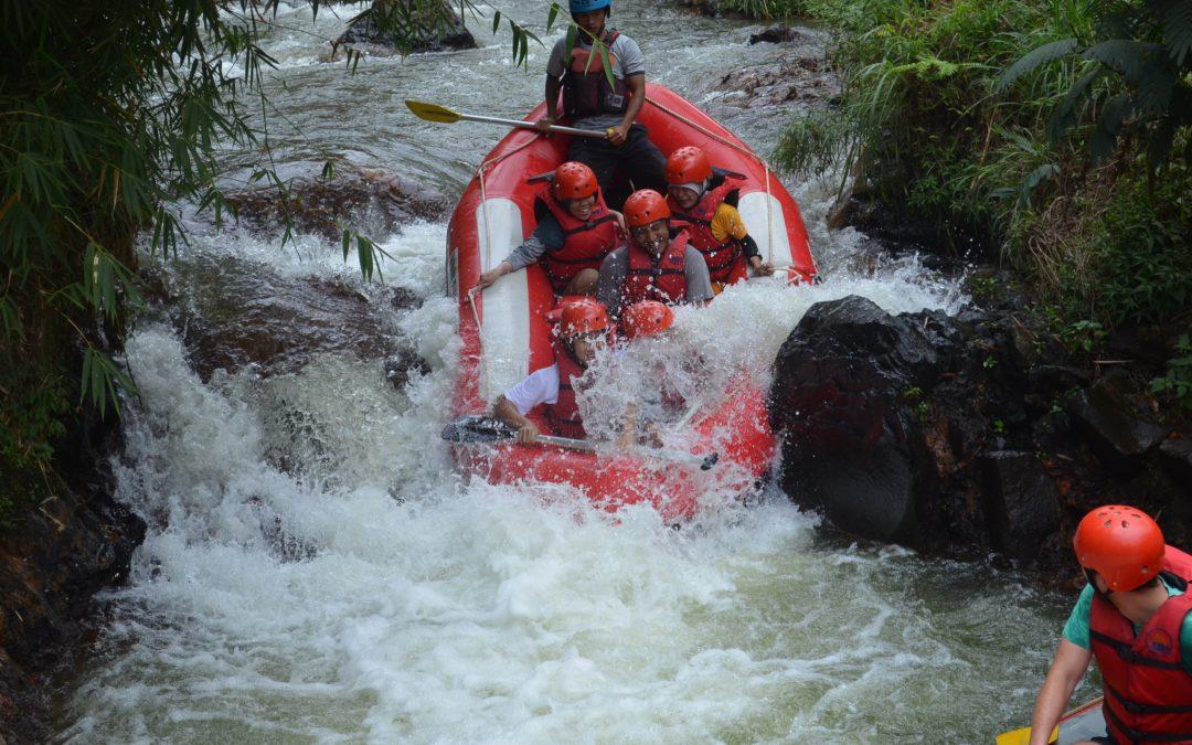 Jenuh dengan Aktivitas Sehari-hari ? Anda Mesti Coba Rafting